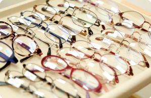 眼鏡専門業者が常駐